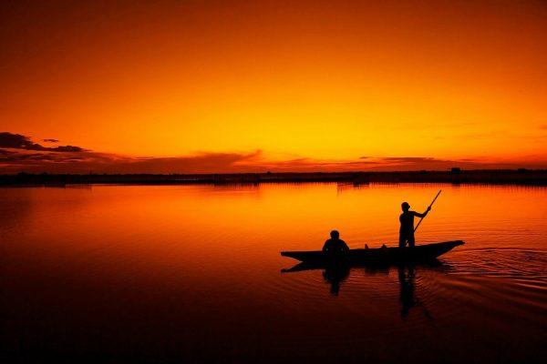 スマホでも簡単!美しい夕焼けシルエット写真の撮影テク